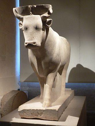 Apis (deity) - Statue of Apis, Thirtieth dynasty of Egypt (Louvre)