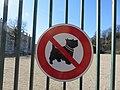 Lyon 9e - Panneau interdiction chiens stade de la Sauvagère (fév 2019).jpg