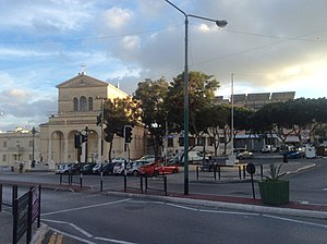 San Ġwann - San Ġwann parish church and square