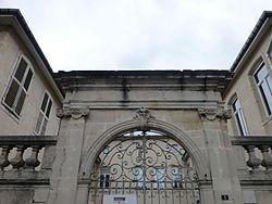 Maison canoniale-Place du parvis de la cathédrale (Toul) (1).jpg