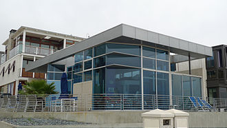 "Manhattan Beach, California - Glass home on the ""Strand"""