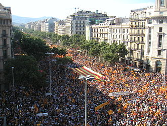 Catalan independence movement - The 2010 Catalan autonomy protest in the intersection of Passeig de Gràcia and Aragó Avenues, in Barcelona