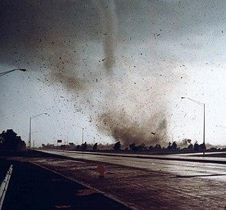 Marion, Illinois tornado outbreak - The F4 Marion tornado crossing Interstate 57 near Illinois Route 13