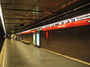 Barcelona Metro line 1 - Red line on Universitat station