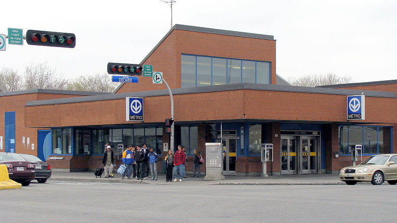 File:Metro Cote-Vertu north entrance.jpg