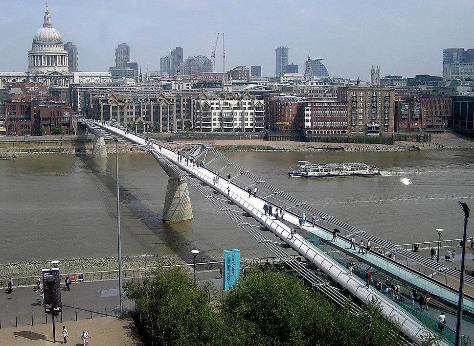 Mill.bridge.from.tate.modern.arp