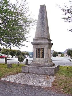 Monument aux Morts de Bugeat Corrèze été 2013.jpg