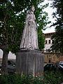Mosteiro de Santa Clara-a-Nova ou Mosteiro de Santa Isabel e túmulo da Rainha Santa Isabel - estátua.jpg