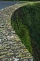Muurbegroeiing op de Menenpoort te Ieper - 370458 - onroerenderfgoed.jpg