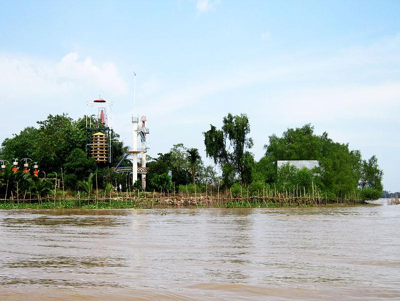 File:Nơi hành đạo của ông Đạo Dừa.jpg