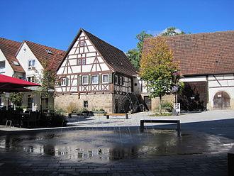 Neckartenzlingen - Fountain in the town center