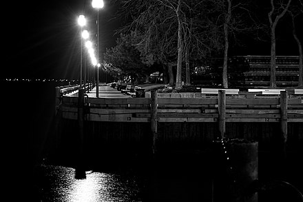 Newburyport massachusetts wikiwand waterfront boardwalk on a winter night stopboris Gallery