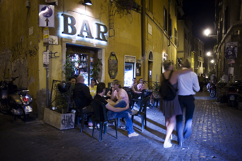 Bar dans le quartier de Trastevere à Rome - Photo de Jorge Royan