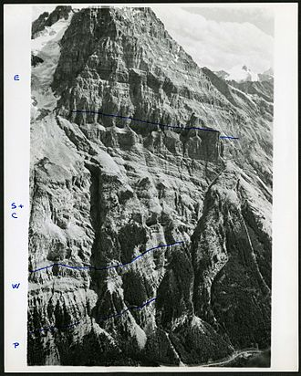 Mount Stephen - Image: Northwest face of Mt. Stephen from the top of Mt. Field, Showing North Gully and Fossil Gully (21234082902)