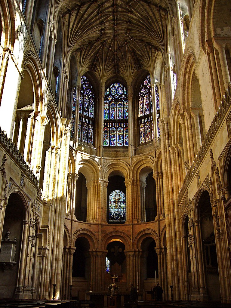 File:Norwich Cathedral - panoramio (10).jpg - Wikimedia ...