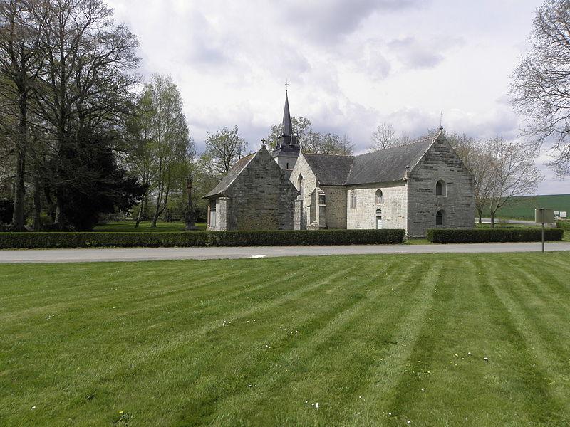 Vue orientale du calvaire, de l'oratoire Sainte-Jean et de la chapelle Sainte-Noyale, sis en Noyal-Pontivy (56).