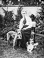 Nurse Edith Cavell 1865-1915 Q32930.jpg