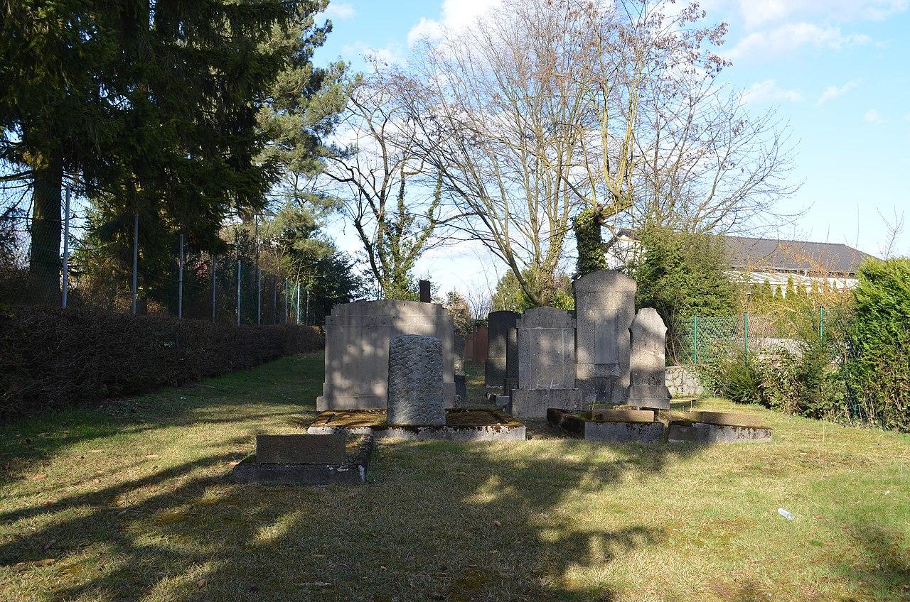 Oberursel, Jüdischer Friedhof.JPG