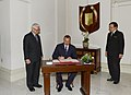 Official welcoming ceremony was organized for Ilham Aliyev in Singapore, 2012 08.jpg