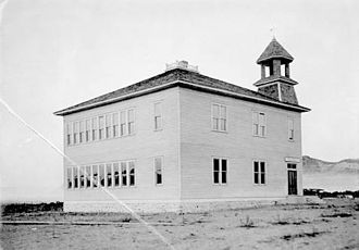 Omak, Washington - Omak Schoolhouse, 1910