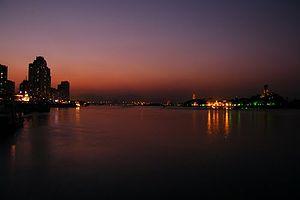 Ou River (Zhejiang) - Image: Oujiang River night