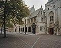 Overzicht plein met de hoofdingang - Middelburg - 20333757 - RCE.jpg