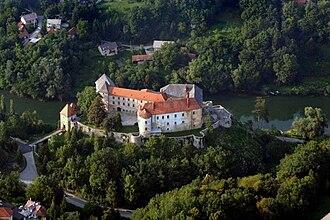Ozalj Castle - Image: Ozalj Castle Aerial view