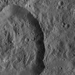PIA20652-Ceres-DwarfPlanet-Dawn-4thMapOrbit-LAMO-image112-20160325.jpg