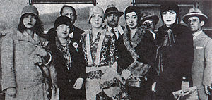 Eugênia Álvaro Moreyra - From left to right: Pagu, Elsie Lessa, Tarsila do Amaral, Anita Malfatti and Eugênia Álvaro Moreyra at the Modern Art Week of 1922.