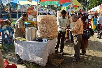 Panipuri - Image: Pani Puri Stall Kolkata 2013 10 11 3270