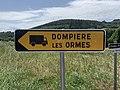 Panneau Direction Temporaire Poids Lourds Rasses Chapelle Mont France 2.jpg