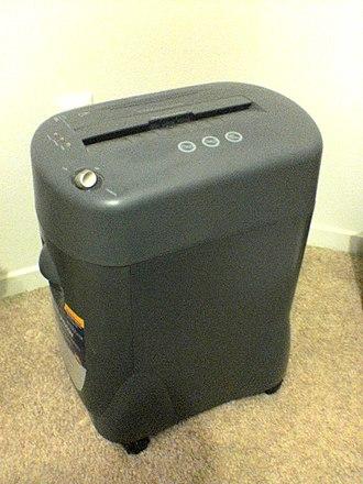 Paper shredder - Paper shredder with built-in wastebasket
