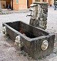 Parco di pratolino, fontana con mascherone 01.JPG
