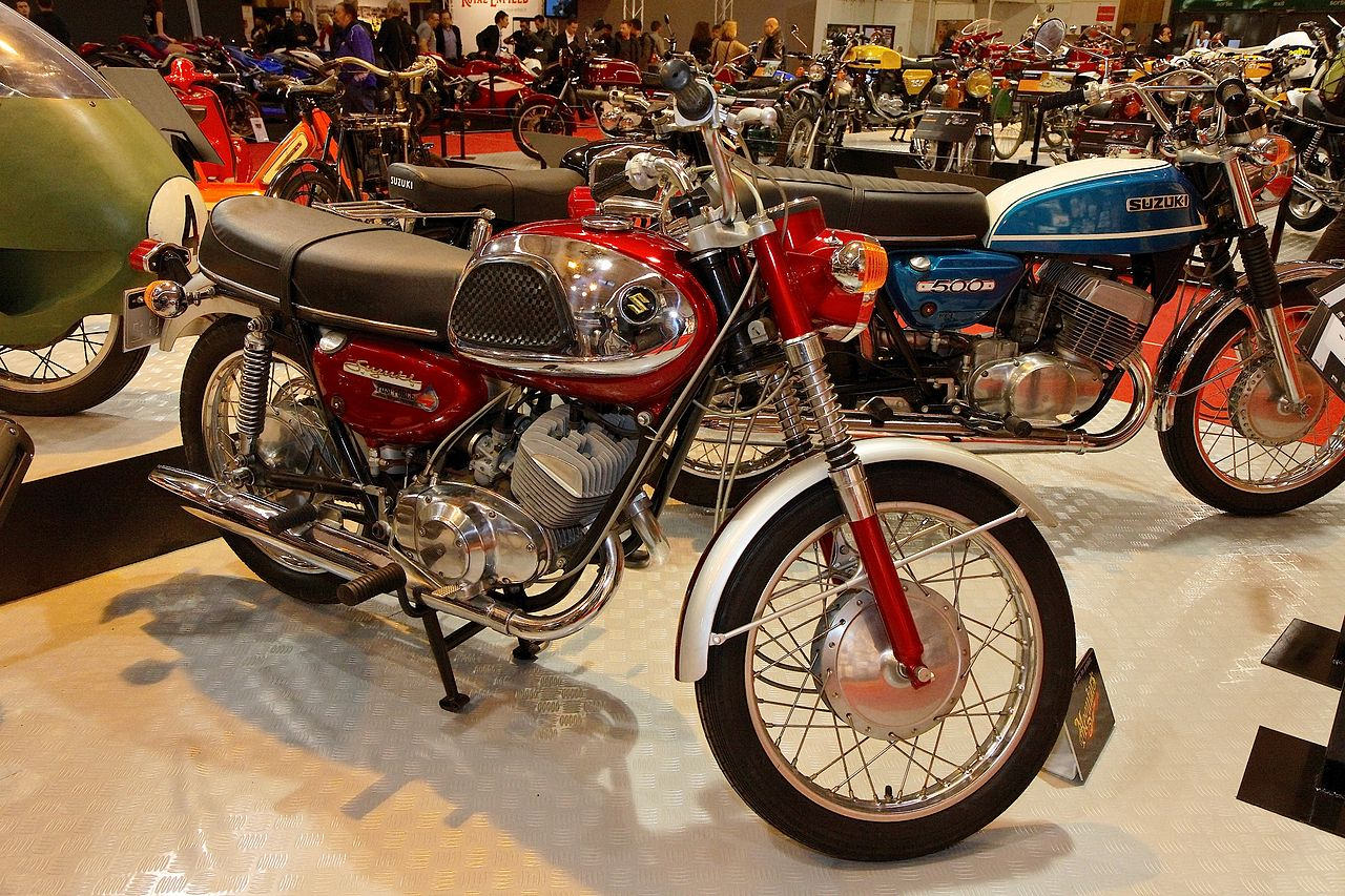 Suzuki Hustler Motorcycle Commercial