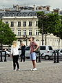 Paris Place Charles-de-Gaulle median island 01b tourists.jpg