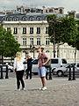 Paris Place Charles-de-Gaulle median island 01b tourists.jpg