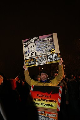 Pegida Demonstration in Dresden am 05.01.2015 (15647884864)