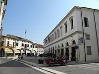 Piazza Matteotti, Palazzo Jappelli (Piove di Sacco).jpg