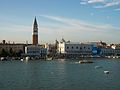 Piazzetta San Marco des de la mar (Venècia).JPG
