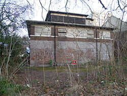 Piccadilly line building Nightingale Road, Bounds Green 04.JPG