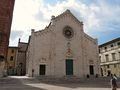 Pietrasanta-duomo-complesso da piazza Duomo1.jpg