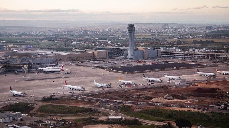 מטוסים בטרמינל 3