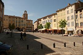 Der Hauptplatz in Bagnols-sur-Cèze