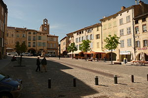 Bagnols-sur-Cèze - The main square in Bagnols-sur-Cèze