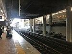 Platform of Hakata Station (local lines) 7.jpg
