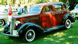 Plymouth De Luxe 4-Door Touring Sedan 1935.jpg