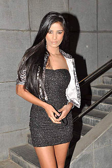 Poonam pandey housefull 2 screening.jpg