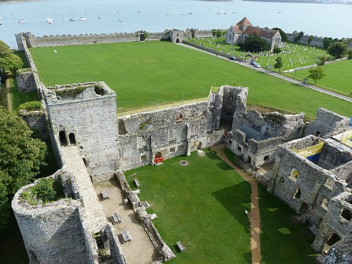 Portchester Castle (geograph 5886902)