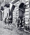 Powstanie warszawskie patrol.jpg