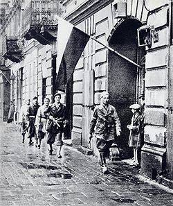 Warsaw Uprising: Polish soldiers in action, 1 August 1944